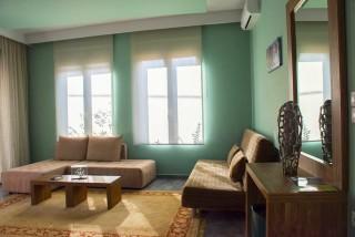 Deluxe Suite Okyrroi Alissachni Living Room
