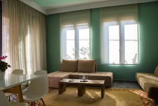 Deluxe Suite Okyrroi Alissachni Sitting Room