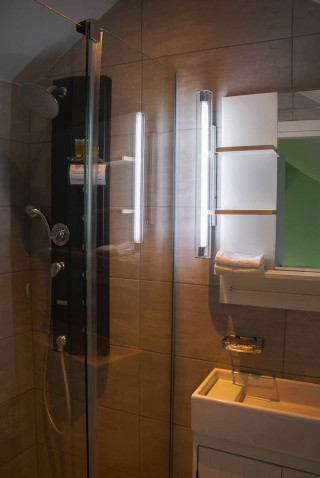 Double Room with Αttic Persiis Alissachni Shower