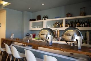 reception bar alissachni breakfast