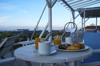 reception bar alissachni greek breakfast